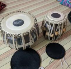 Used Brass dagga 3kg & puda tabla set with hammer &bag for sale in delhi