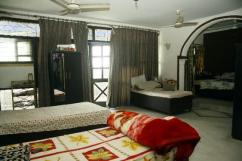 Rooms in Sector 17Gurgaon near MG road