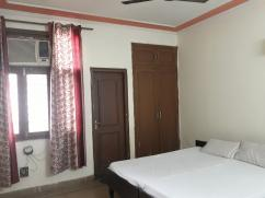 Best Paying Guest for Boys.. in Noida sector 46