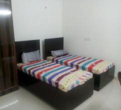 hostel near viviana mall thane