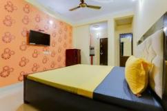 Pandit hostel available on rent
