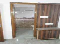Semi furnished room for Men