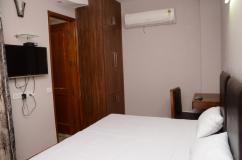 Studio Service Apartment Near Saket