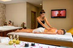 Best Couple Massage Spa in Delhi at Mantra Body Spa