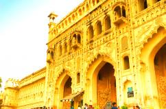 Lucknow Taxi and Cabs  Service