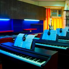 Piano classes near me call on 9999124529